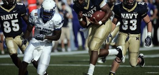 quarterback-558057_640